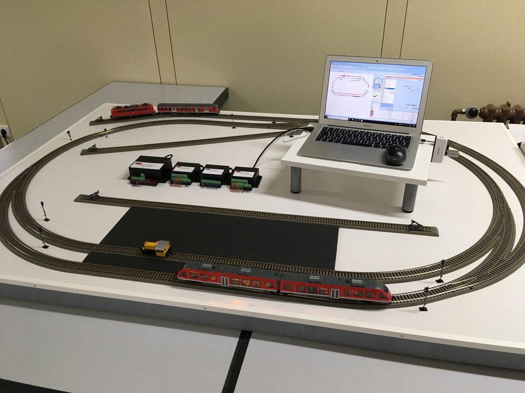 Hier Ist Die Testanlage Im Automatikbetrieb Mit Dem TrainController Zu Sehen